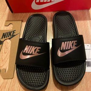 New Nike Benassi slides sandal women 8